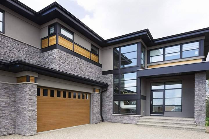 Modern house wth custom wood garage door